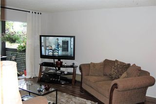 "Photo 2: 111 200 WESTHILL Place in Port Moody: College Park PM Condo for sale in ""WESTHILL PLACE"" : MLS®# R2189218"