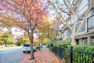 "Photo 2: 14 6300 ALDER Street in Richmond: McLennan North Townhouse for sale in ""The HAMPTONS by Cressey"" : MLS®# R2217953"