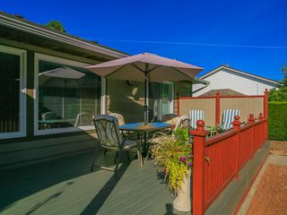 Photo 4: 1310 Lanyon Drive in French Creek: House for sale : MLS®# 397519