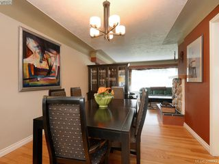 Photo 3: 122 Kingham Pl in VICTORIA: VR View Royal House for sale (View Royal)  : MLS®# 783633