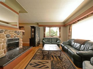 Photo 2: 122 Kingham Pl in VICTORIA: VR View Royal House for sale (View Royal)  : MLS®# 783633