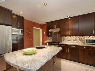 Photo 5: 122 Kingham Pl in VICTORIA: VR View Royal House for sale (View Royal)  : MLS®# 783633