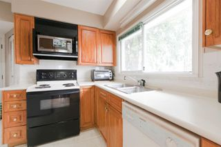 Photo 8: 4692 NANAIMO Street in Vancouver: Collingwood VE House for sale (Vancouver East)  : MLS®# R2260184