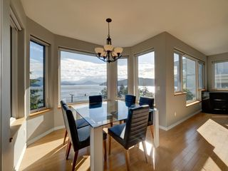 "Main Photo: 393 SKYLINE Drive in Gibsons: Gibsons & Area House for sale in ""The Bluff"" (Sunshine Coast)  : MLS®# R2272922"