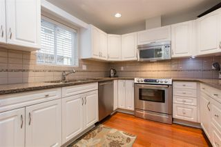"""Photo 6: 102 257 E KEITH Road in North Vancouver: Lower Lonsdale Townhouse for sale in """"McNair Park"""" : MLS®# R2333342"""
