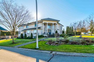 """Photo 2: 15148 75 Avenue in Surrey: East Newton House for sale in """"CHIMNEY HILL"""" : MLS®# R2336628"""