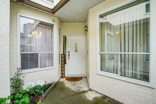 "Photo 3: 13 10038 150 Street in Surrey: Guildford Townhouse for sale in ""MAYFIELD GREEN"" (North Surrey)  : MLS®# R2342820"