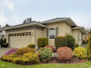 Main Photo: 8002 Polo Park Crescent in SAANICHTON: CS Saanichton Single Family Detached for sale (Central Saanich)  : MLS®# 406831