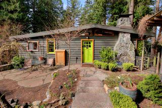 """Photo 2: 967 WINDJAMMER Road: Bowen Island House for sale in """"BLUEWATER"""" : MLS®# R2354068"""