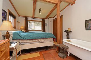 """Photo 10: 967 WINDJAMMER Road: Bowen Island House for sale in """"BLUEWATER"""" : MLS®# R2354068"""