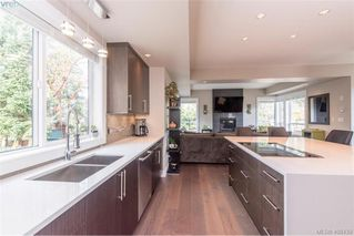 Photo 9: 3457 Vantage Point in VICTORIA: Co Triangle Single Family Detached for sale (Colwood)  : MLS®# 408439