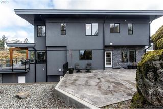Photo 2: 3457 Vantage Point in VICTORIA: Co Triangle Single Family Detached for sale (Colwood)  : MLS®# 408439