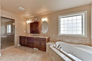 Photo 16: 580 HODGSON Road in Edmonton: Zone 14 House for sale : MLS®# E4154265