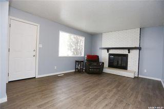 Photo 4: 3569 33rd Street West in Saskatoon: Dundonald Residential for sale : MLS®# SK768895