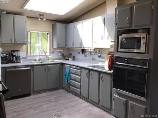 Photo 3: 2522 Sloping Pines Rd in SAANICHTON: CS Hawthorne Manufactured Home for sale (Central Saanich)  : MLS®# 813216