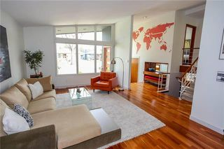 Photo 2: 827 Waterloo Street in Winnipeg: River Heights Residential for sale (1D)  : MLS®# 1911438