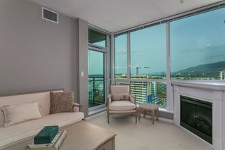 """Photo 5: 1606 138 E ESPLANADE Street in North Vancouver: Lower Lonsdale Condo for sale in """"Premier at the Pier"""" : MLS®# R2369198"""