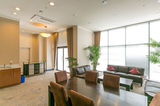"""Photo 15: 1606 138 E ESPLANADE Street in North Vancouver: Lower Lonsdale Condo for sale in """"Premier at the Pier"""" : MLS®# R2369198"""
