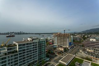 """Photo 13: 1606 138 E ESPLANADE Street in North Vancouver: Lower Lonsdale Condo for sale in """"Premier at the Pier"""" : MLS®# R2369198"""