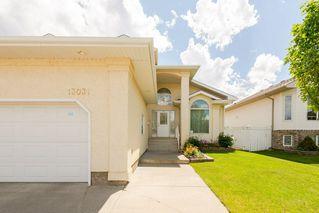 Photo 2: 13031 158 Avenue in Edmonton: Zone 27 House for sale : MLS®# E4164973