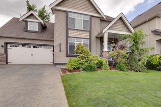 "Photo 3: 32678 GREENE Place in Mission: Mission BC House for sale in ""TUNBRIDGE STATION"" : MLS®# R2388077"