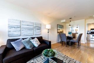 Photo 3: 126 LAKEWOOD Drive in Vancouver: Hastings Townhouse for sale (Vancouver East)  : MLS®# R2403079