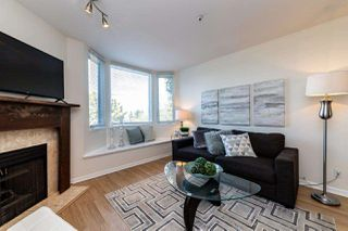 Photo 2: 126 LAKEWOOD Drive in Vancouver: Hastings Townhouse for sale (Vancouver East)  : MLS®# R2403079