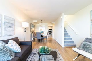 Photo 4: 126 LAKEWOOD Drive in Vancouver: Hastings Townhouse for sale (Vancouver East)  : MLS®# R2403079