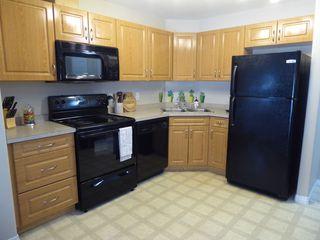 Photo 11: 203 9945 167 Street in Edmonton: Zone 22 Condo for sale : MLS®# E4176708