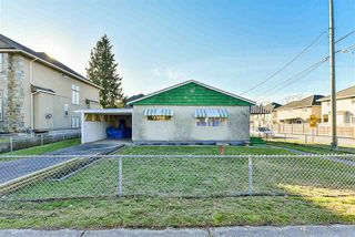 "Photo 2: 6245 126 Street in Surrey: Panorama Ridge House for sale in ""Panorama"" : MLS®# R2422606"