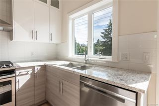 Photo 3: 403 2130 Sooke Rd in Colwood: Co Hatley Park Row/Townhouse for sale : MLS®# 842388