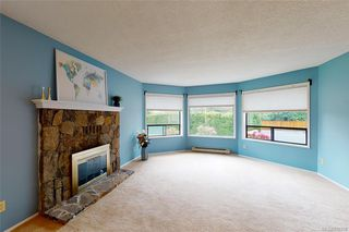 Photo 2: 4249 Quadra St in Saanich: SE Lake Hill House for sale (Saanich East)  : MLS®# 839358
