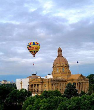 Photo 4: 1007 9720 106 street in Edmonton: Zone 12 Condo for sale : MLS®# E4210030