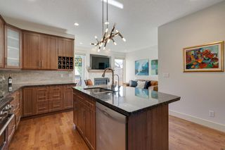 Photo 11: 729 23 Avenue NW in Calgary: Mount Pleasant Semi Detached for sale : MLS®# A1031696