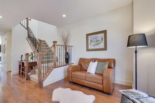 Photo 7: 729 23 Avenue NW in Calgary: Mount Pleasant Semi Detached for sale : MLS®# A1031696