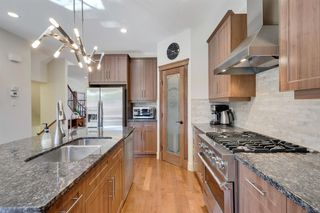 Photo 12: 729 23 Avenue NW in Calgary: Mount Pleasant Semi Detached for sale : MLS®# A1031696