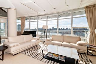 "Photo 11: 1001 628 KINGHORNE Mews in Vancouver: Yaletown Condo for sale in ""SILVER SEA"" (Vancouver West)  : MLS®# R2510572"