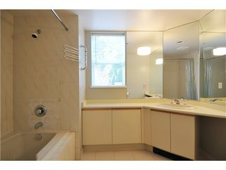 """Photo 6: 203 2020 HIGHBURY Street in Vancouver: Point Grey Condo for sale in """"HIGHBURY TOWERS"""" (Vancouver West)  : MLS®# V913658"""