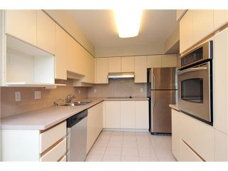 """Photo 4: 203 2020 HIGHBURY Street in Vancouver: Point Grey Condo for sale in """"HIGHBURY TOWERS"""" (Vancouver West)  : MLS®# V913658"""