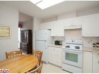 """Photo 2: 405 1765 MARTIN Drive in Surrey: Sunnyside Park Surrey Condo for sale in """"SOUTHWYND"""" (South Surrey White Rock)  : MLS®# F1202062"""