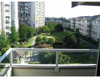 Photo 1: 401 3480 Yardley Avenue in Vancouver: Collingwood VE Condo for sale (Vancouver East)  : MLS®# V750829