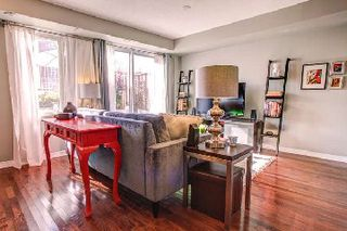 Photo 3: 22 20 Elsie Lane in Toronto: Dovercourt-Wallace Emerson-Junction Condo for sale (Toronto W02)  : MLS®# W2763702
