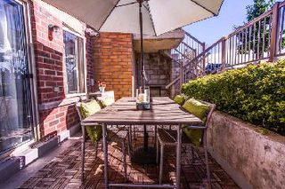 Photo 2: 22 20 Elsie Lane in Toronto: Dovercourt-Wallace Emerson-Junction Condo for sale (Toronto W02)  : MLS®# W2763702