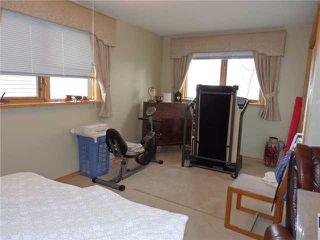 Photo 9: 15 CASTLEBROOK Rise NE in CALGARY: Castleridge Residential Detached Single Family for sale (Calgary)  : MLS®# C3609404