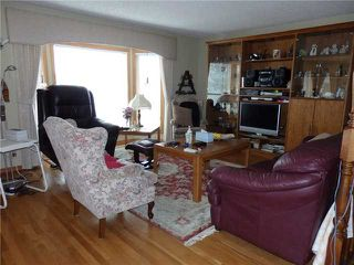 Photo 3: 15 CASTLEBROOK Rise NE in CALGARY: Castleridge Residential Detached Single Family for sale (Calgary)  : MLS®# C3609404