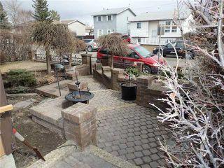 Photo 2: 15 CASTLEBROOK Rise NE in CALGARY: Castleridge Residential Detached Single Family for sale (Calgary)  : MLS®# C3609404