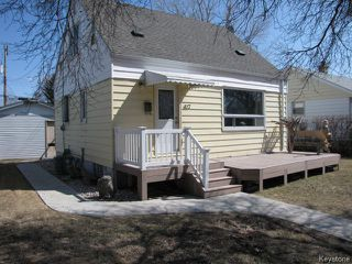 Photo 2: 417 Marjorie Street in WINNIPEG: St James Residential for sale (West Winnipeg)  : MLS®# 1407325