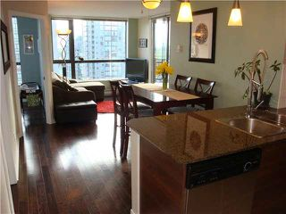 "Photo 1: 801 813 AGNES Street in New Westminster: Downtown NW Condo for sale in ""NEWS"" : MLS®# V1085074"
