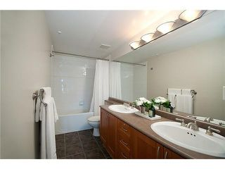 """Photo 3: 101 2688 VINE Street in Vancouver: Kitsilano Townhouse for sale in """"THE TREO"""" (Vancouver West)  : MLS®# V1094782"""