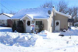 Photo 1: 15 Whiteside Street in Kawartha Lakes: Little Britain House (Bungalow) for sale : MLS®# X3104009